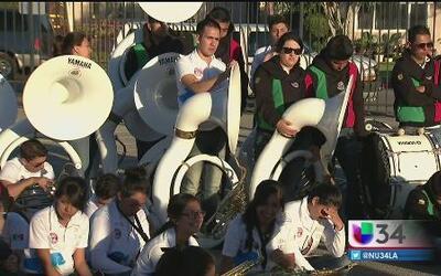 'Los Delfines' dicen estar listos para el Desfile de las Rosas