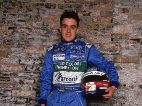 El español Fernando Alonso está celebrando su décim...