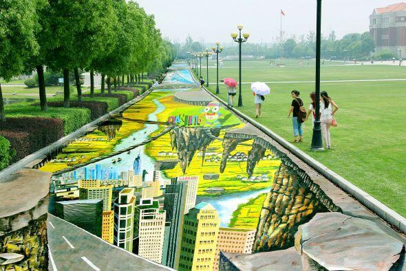 En Jiangsu, China, se encuentra la pintura callejera más grande d...