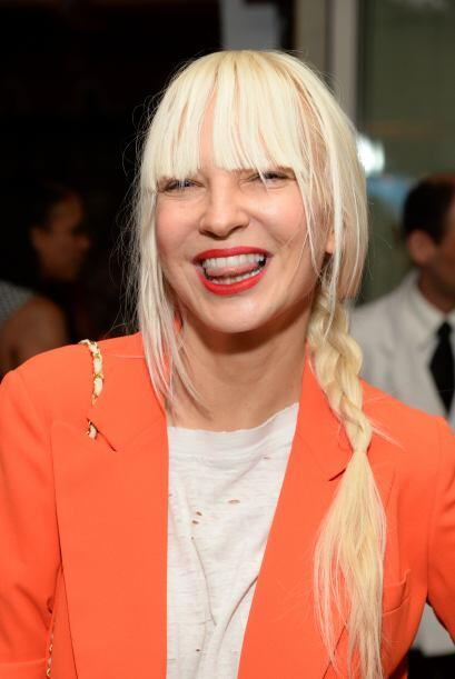 Sia Furler, cantante de 'Chandelier' y responsable de éxitos de Rihanna,...