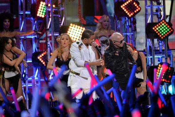 Don Miguelo acompañó a Pitbull con la canción &quot...