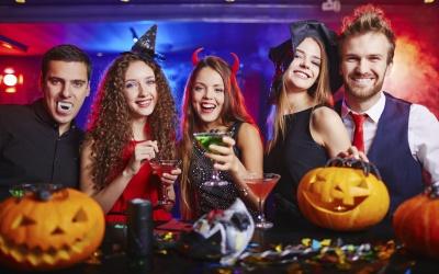 Checa estos juegos de Halloween que los mantendrán súper entretenidos.