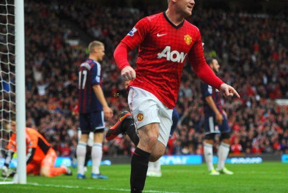 Poco después Rooney volvió a anotar, esta vez en el arco c...