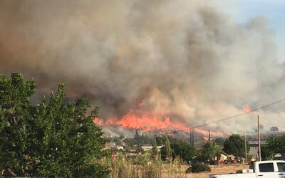 Cientos de evacuados tras colosal incendio en Yarnell, Arizona
