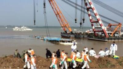 Los socorristas confirmaron la muerte de 331 pasajeros del crucero que s...