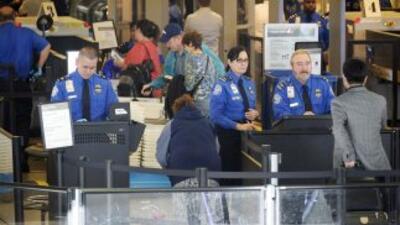 La vida recobra la normalidad en el Aeropuerto Internacional de Los Ánge...