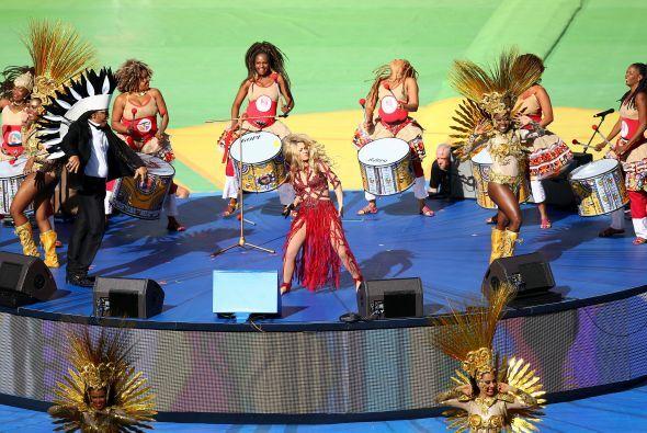 La colombiana conquistó a todos con su canción. Mira aquí los videos más...