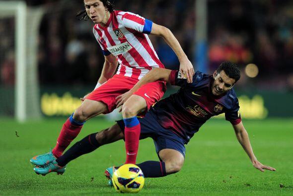Pero el Atlético ni así pudo tirar el juego 'blaugrana', que no cesó pes...