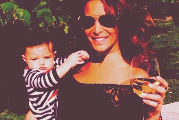 En 2013 se convirtió en mamá adoptiva de la pequeña...