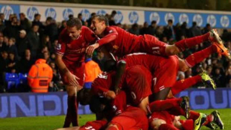 Los 'Reds' se dieron un festín en White Hart Lane y con dos goles de Suá...