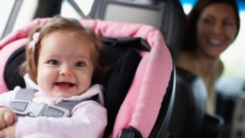 Los viajes en auto pueden ser una aventura agradable junto a tu hijo per...