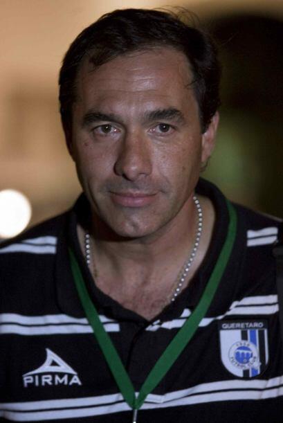 Comenzó su carrera de estratega en 2006 con el Danubio, luego lle...