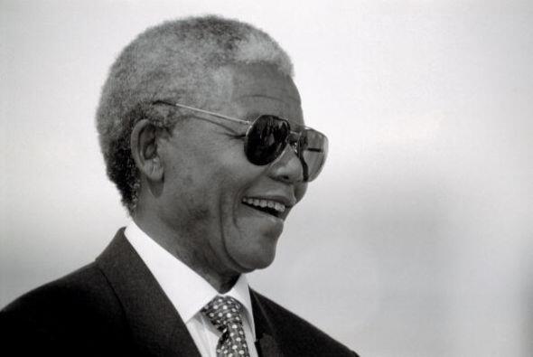 La rebelión del joven Mandela empezó muy pronto, primero cuando fue expu...