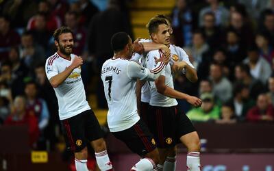 Adnan Januzaj consiguió el gol de la victoria sobre el Aston Villa