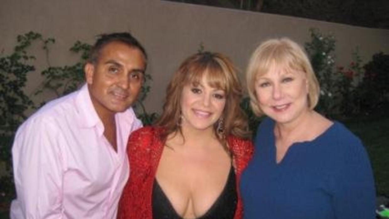 Arturo Rivera, el ángel y mejor amigo de Jenni  news_photo_31917_1355098...