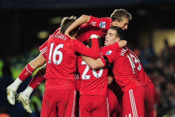 Pero Martin Kelly hizo el lapidario segundo gol de los 'Reds'.