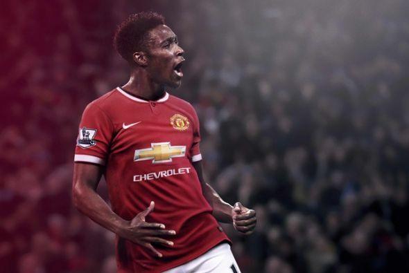 Manchester United lanzó su nuevo uniforme de local para la temporada 201...