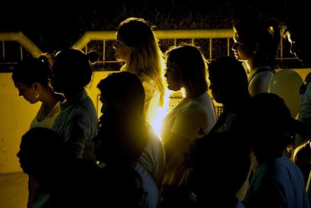 Miles de personas partriciparon en un homenaje silencioso a las víctimas...