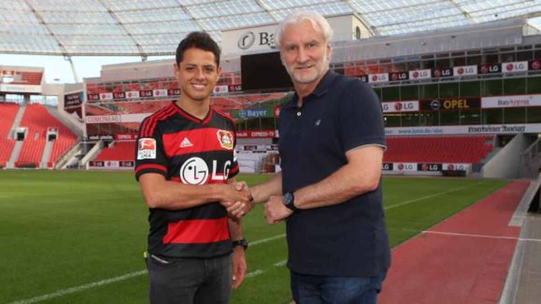 'Chicharito' ya es jugador del Leverkusen