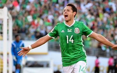 Los históricos goleadores del Tri opinaron sobre el record de 'Chicharito'