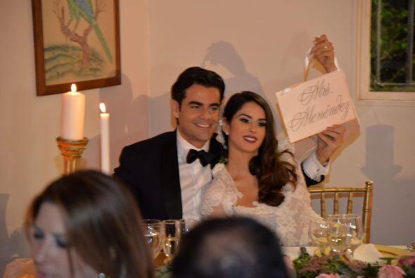 Y presumieron con orgullo que ahora sí son el Sr. y la Señ...