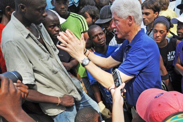 El ex presidente estadounidense, que preside con el primer ministro hait...