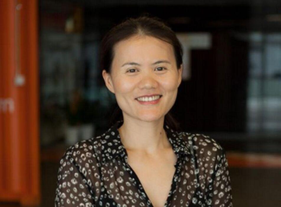 53.- LUCY PENG: Es uno de los fundadores de Alibaba, la mayor empresa de...
