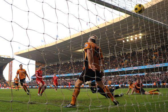 Cuando el partido terminaba y el Liverpool pasaba momentos de sufrimient...