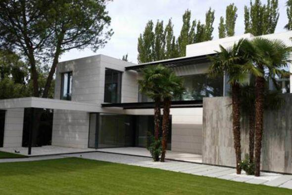 La nueva residencia de Javiér Hernández se encuentra en la...