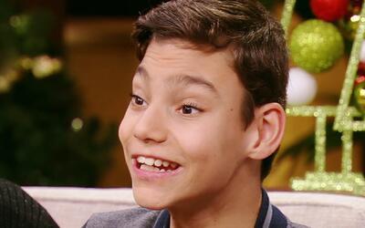 Adrián Martín rompió corazones y encantó con su voz en Teleton USA y en...