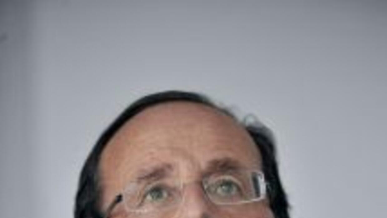 El presidente electo de Francia, el socialista FrançoisHollande, tomará...