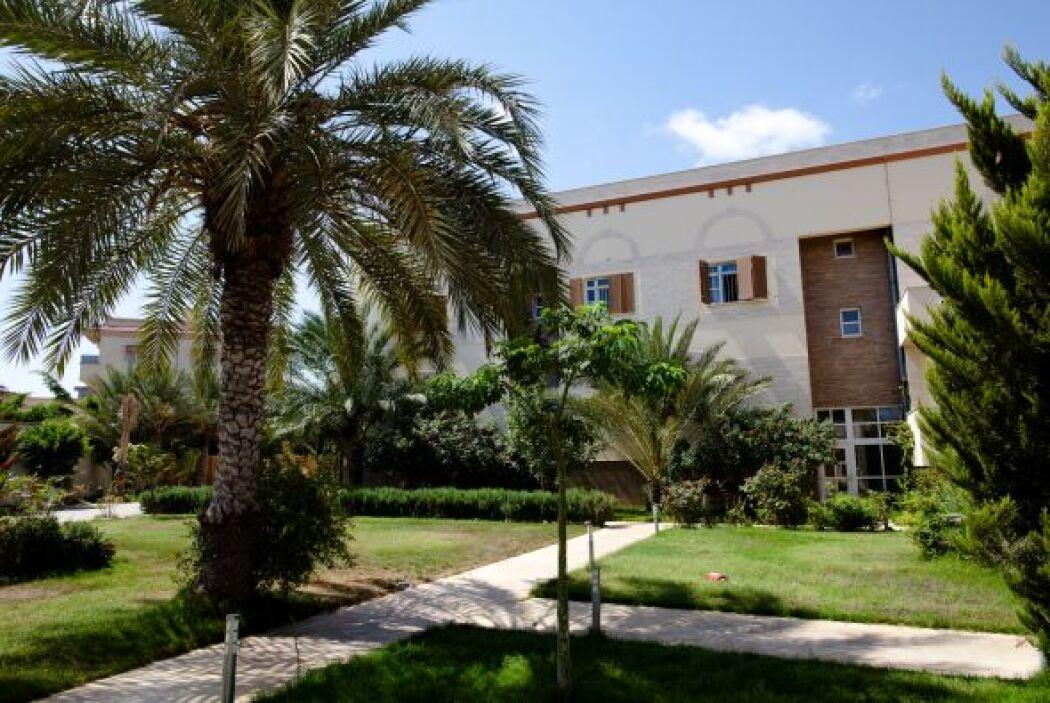 Habitantes de la zona afirman que Aisha Gadafi no salía de su mansión ni...