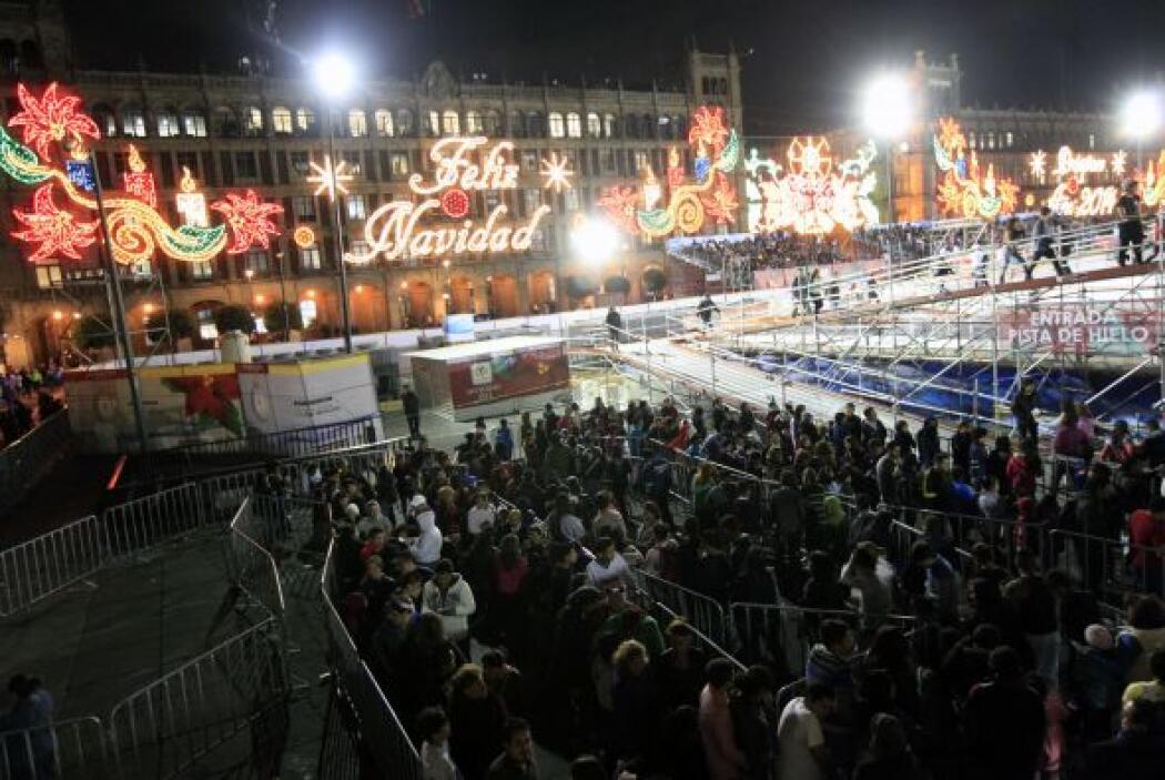 Las fiestas decembrinas en el Zócalo de la ciudad de México iniciaron co...
