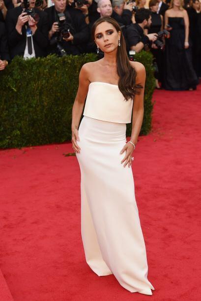 Victoria Beckham lució un  vestido diseñado por ella, con el que logró c...