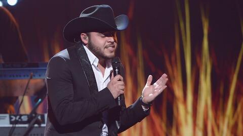 Gerardo Ortiz aclaró si el gobierno es el que decide sus canciones