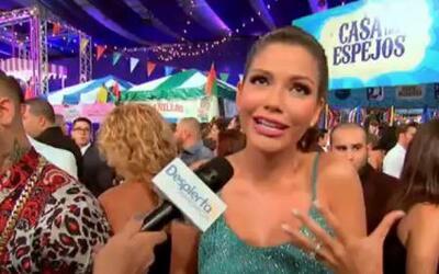 No lo creerás: Ana Patricia se cayó otra vez en Premios Juventud 2014