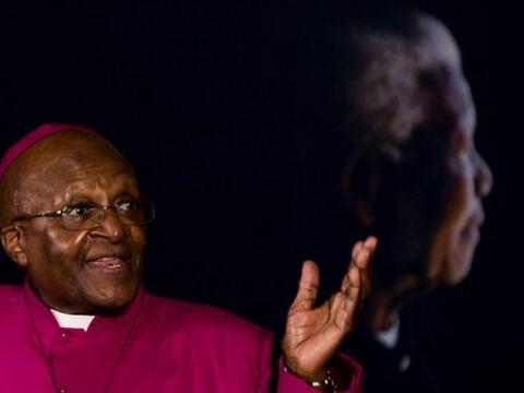 El arzobispo emérito anglicano y Premio Nobel de la Paz sudafrica...