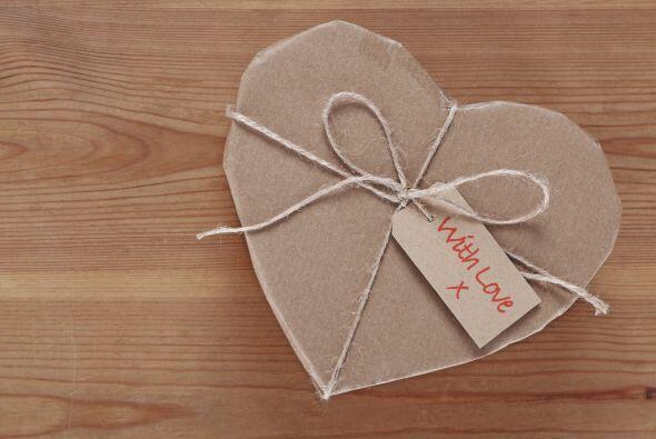 Cajas de corazón. Puedes comprar estas cajas de papel mach&eacute...