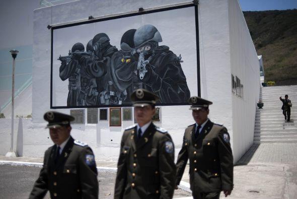 Tres altos oficiales de la Policía de Ecuador están deteni...