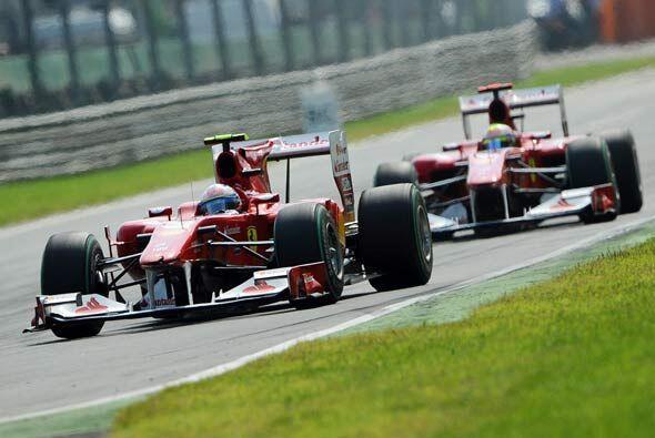 Los Ferrari corrieron en Monza en 'casa' ya que su sede está muy cerca d...