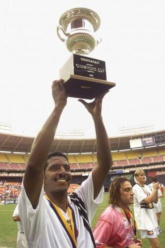 México y Jamaica se enfrentaron un año después  en la Primera Copa Conca...