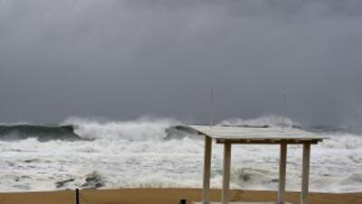 Es probable que la tormenta tropical incremente su fuerza antes de tocar...