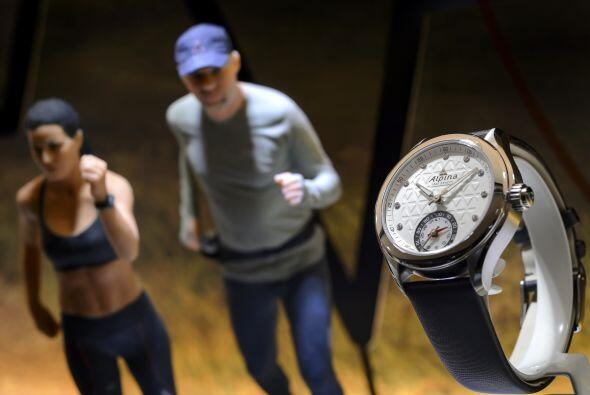 La marca suiza de relojes deportivos Alpina, presentó este reloj.