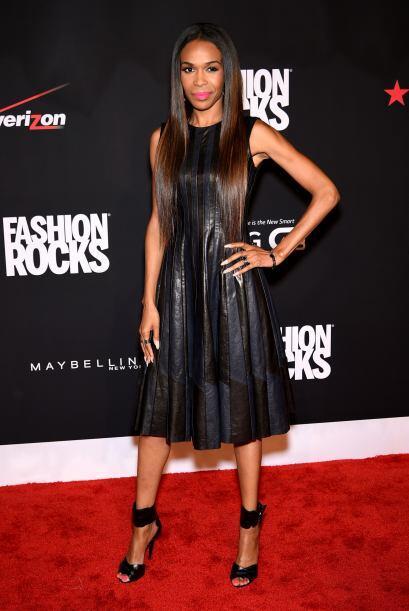 Michelle William tiene muy claro que un vestido negro siempre ser&aacute...
