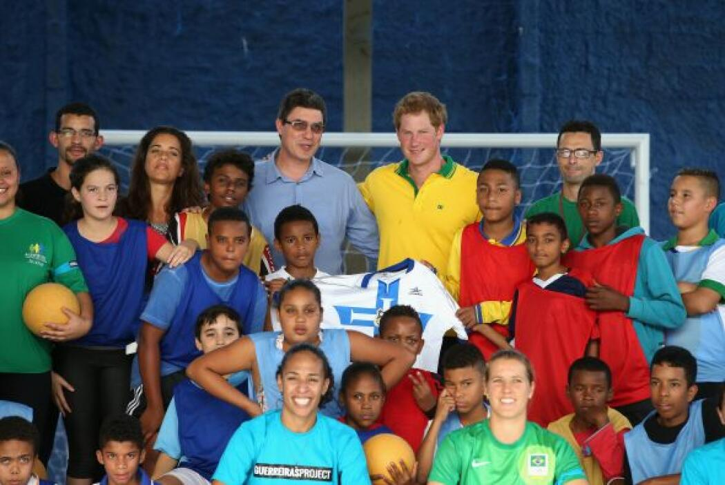Harry llegó a la sede de Acer, una asociación de apoyo a niños en riesgo.
