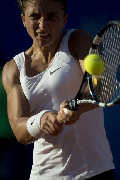 La italiana Sara Errani (foto), octava del mundo, se clasificó al vencer...