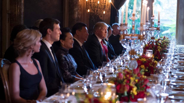 La familia Trump en una recepción al presidente chino Xi Jinping y su es...