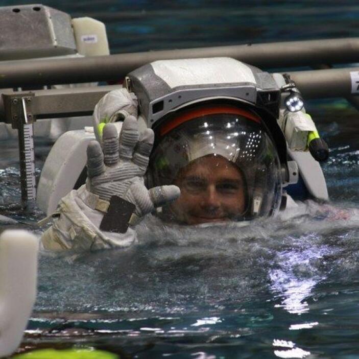 Reid Wiseman es un astronauta en su primer misión en el espacio y no par...