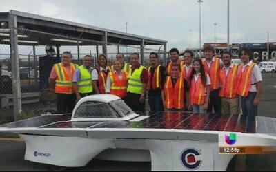 Universitarios prueban su carro solar en los Estados Unidos