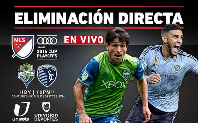 Edith Marquez con la Chica Maravilla Seattle vs Sporting KC KO Round 201...